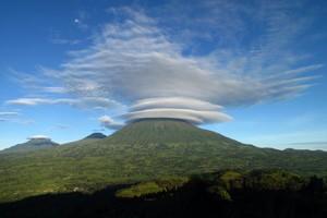 3 day volcanoes gorilla tour