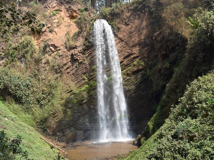 Kisizi Waterfall - Waterfalls in Uganda